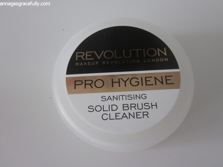 Revolution Solid Brush