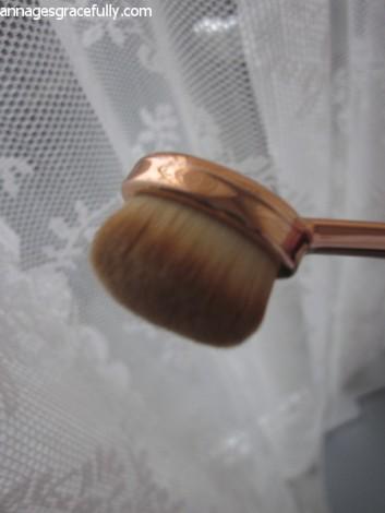 Oval brush Styletone eyeshadow