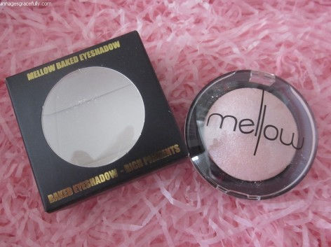 Mellow Peach eyeshadow