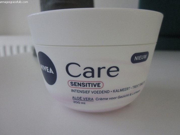 Nivea Care Sensitive